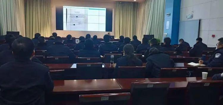 【公安碑林分局】大练兵   法制大队开展法律练兵专题培训活动