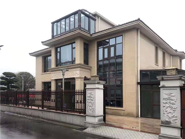 【领绣】看江苏泰兴专卖店提供的中式实景 别墅里的绣美风景