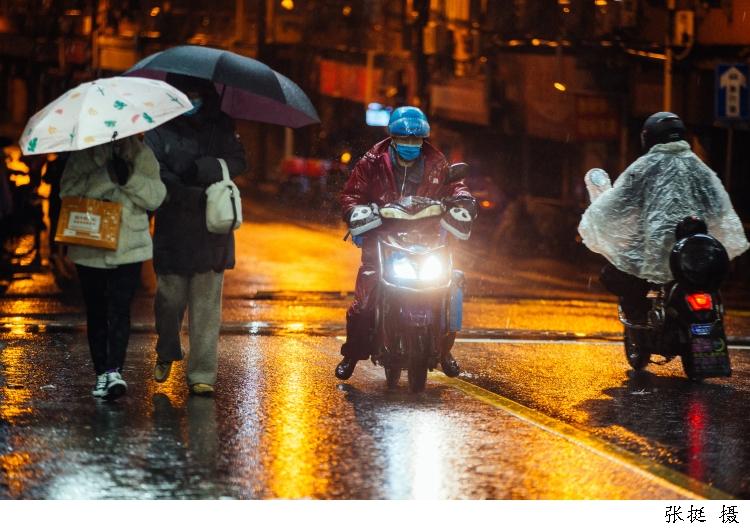 市人大代表杨国平:快递外卖行业电动自行车,统一安装行车记录仪