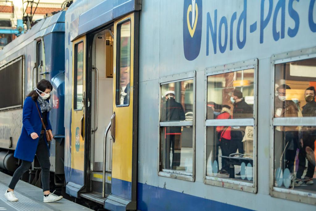 法卫生机构建议民众乘公共交通时勿交谈
