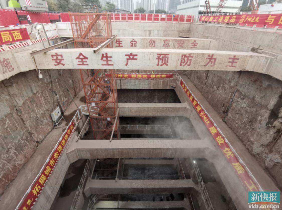 下穿珠江实现隧道贯通 地铁十一号线土建工程进度达半