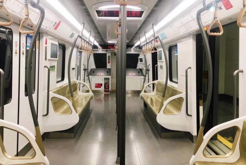 壹现场丨上海地铁谁都能进驾驶室?回应:全自动驾驶