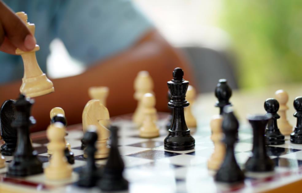 """研究人员开发AI国际象棋引擎""""玛雅"""" 可帮棋手识别技能错误"""