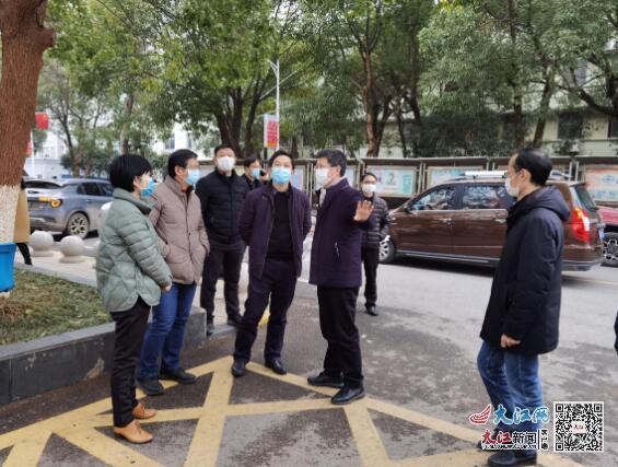 南昌市疫情防控监督组到进贤县人民医院督导疫情防控工作(图)