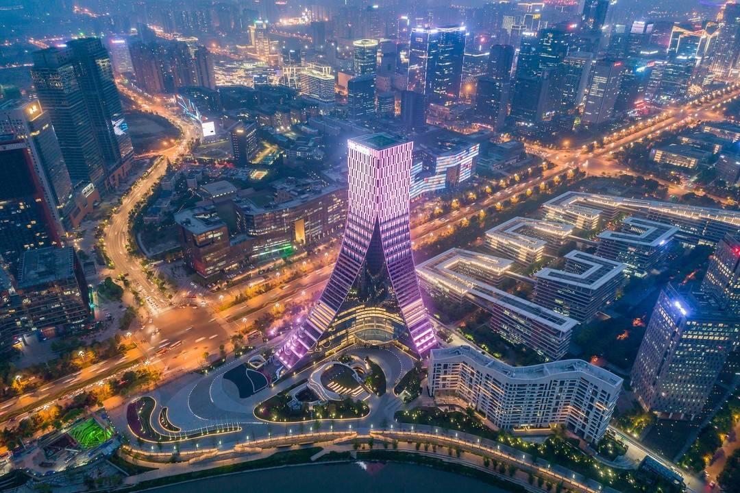 数字天府新动能   成都图景:2022年进入全国智慧城市第一方阵