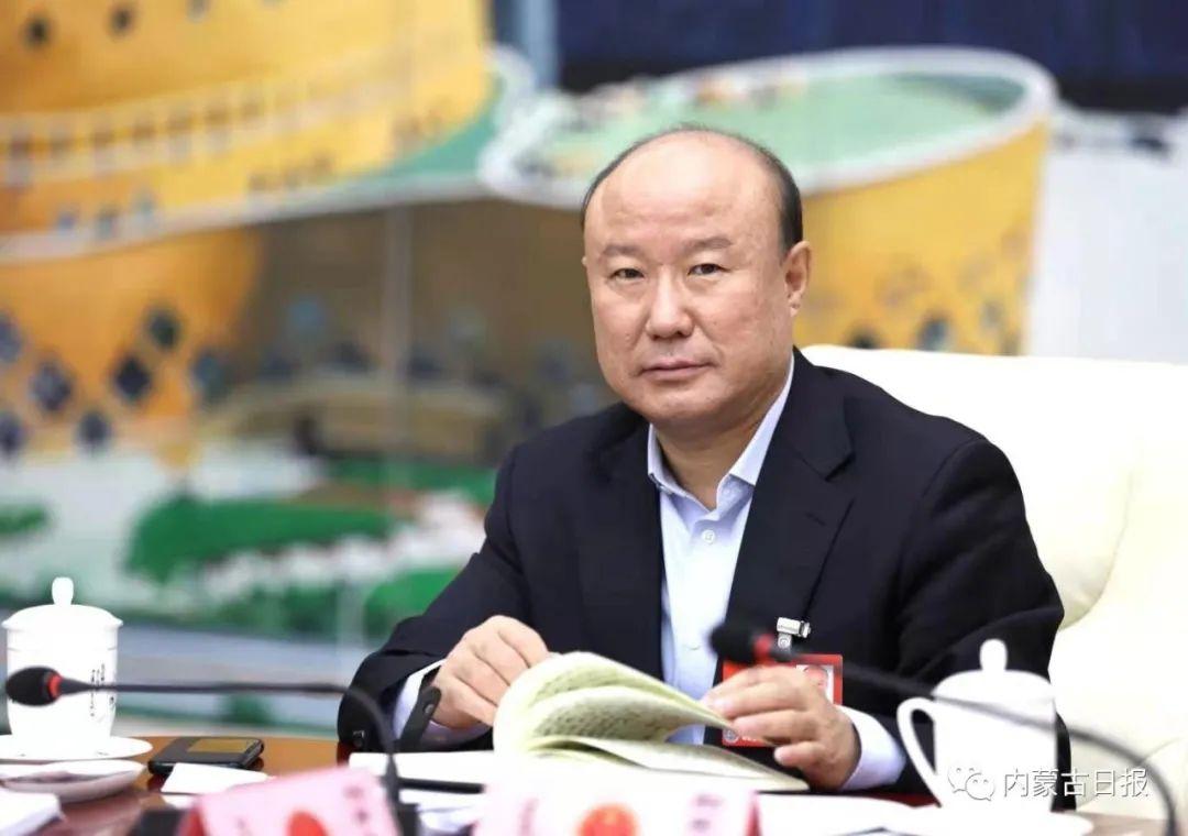斯琴毕力格接受内蒙古日报社记者专访