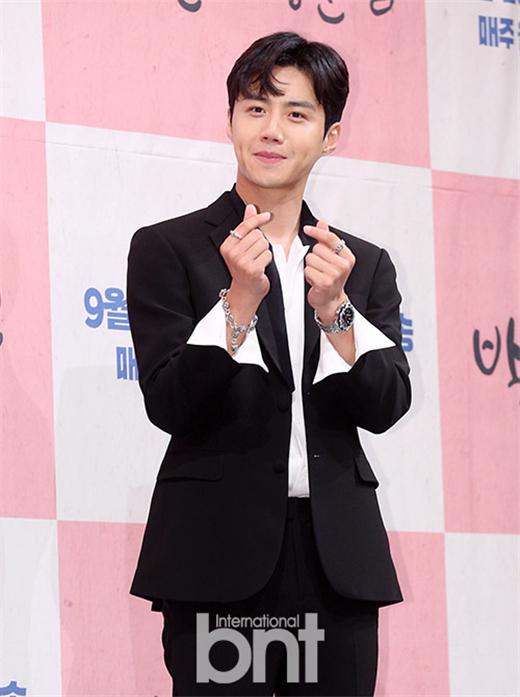 大势演员金宣虎 为白血病儿童财团捐赠1亿韩元