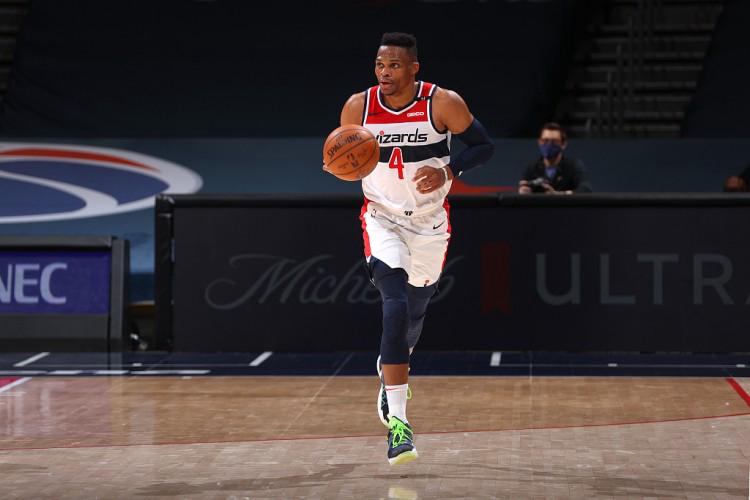 布鲁克斯:威少抢到篮板后 需要在攻防转换中加快速度
