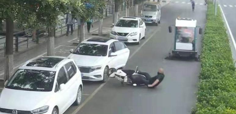 北京门头沟:开车门不幸撞死后方骑摩托车男子,法官这样判