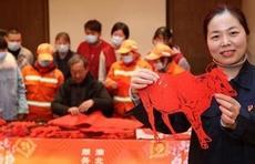 今年春节提倡就地过年,空巢老人、留守儿童怎么办?