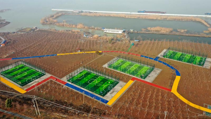 淮安市洪泽湖畔四连片足球场建设完成