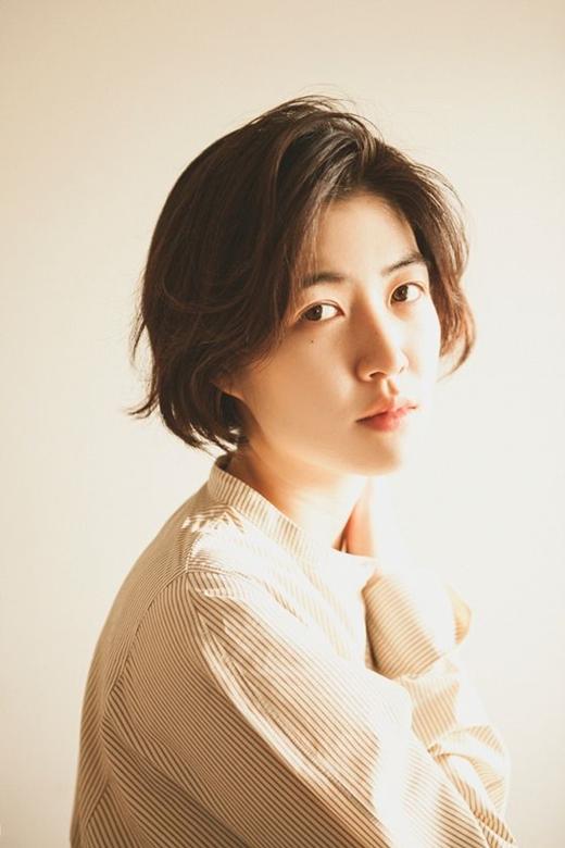 韩国演员沈恩敬担任第44届 日本奥斯卡颁奖典礼主持人