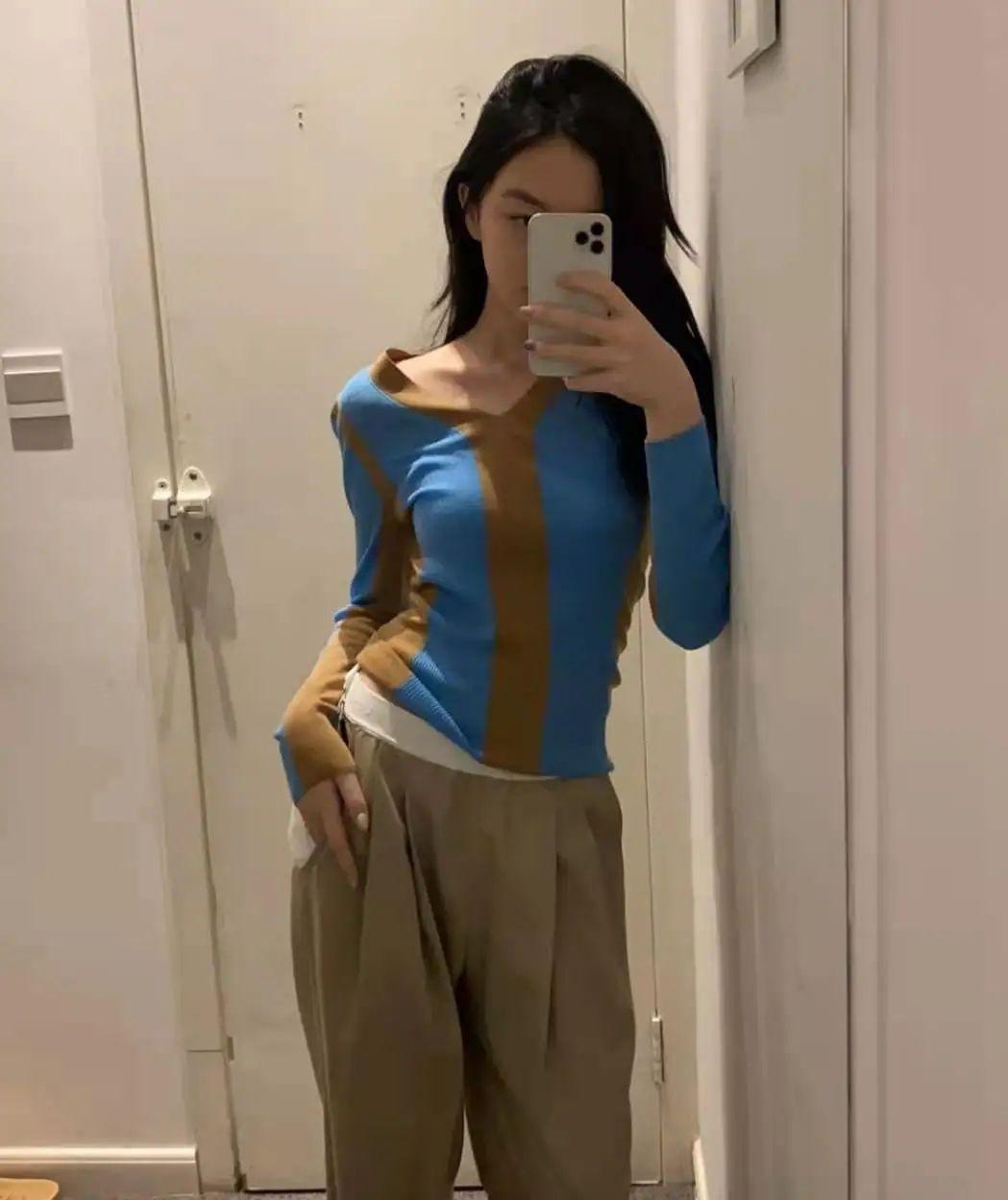 王菲14岁女儿李嫣近照曝光,穿短裙侧躺秀性感美腿,被批不合适