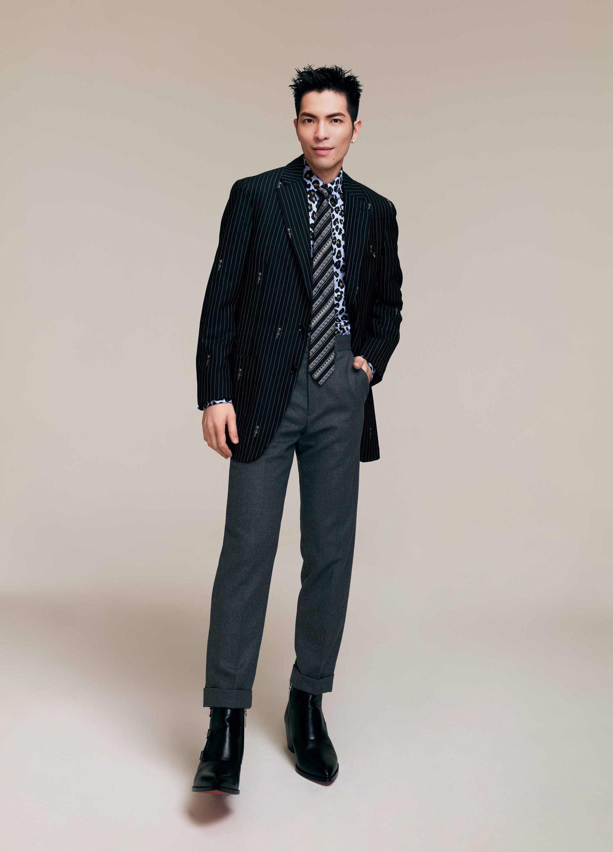 「金曲歌王」萧敬腾受邀为2021强档贺岁电影《跟你老婆去旅行》演唱主题曲〈不完美的我〉