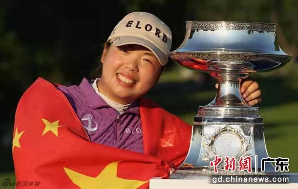 广东名将冯珊珊、李昊桐登上中国高尔夫年度榜单