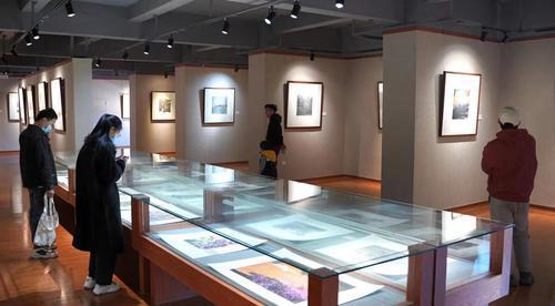 夏野、张四民作品展在可园博物馆举行