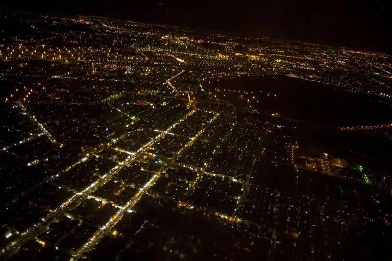 伊朗首都深夜空袭警报骤响!图片