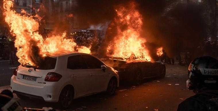 法国整治暴力犯罪出奇招:一人犯罪全家福利取消