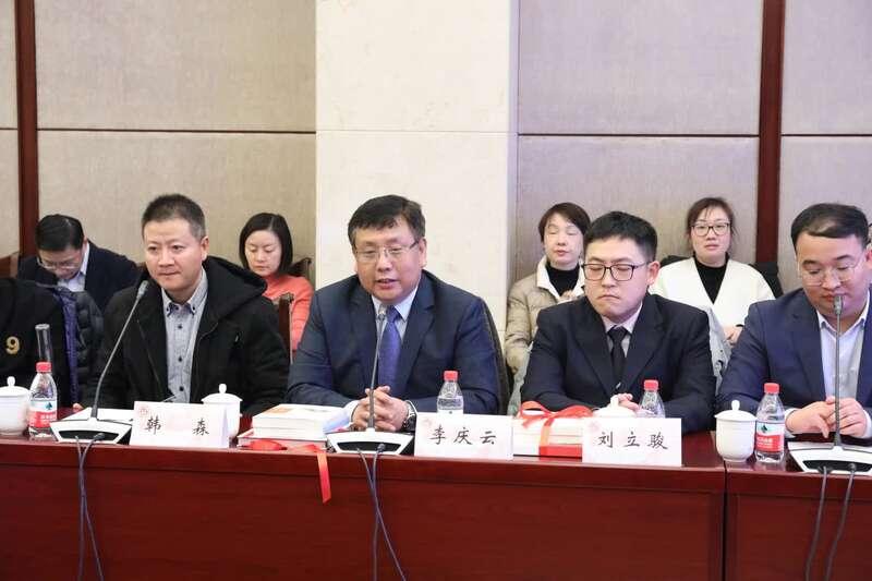 上海交大医学院发布战疫画册及丛书