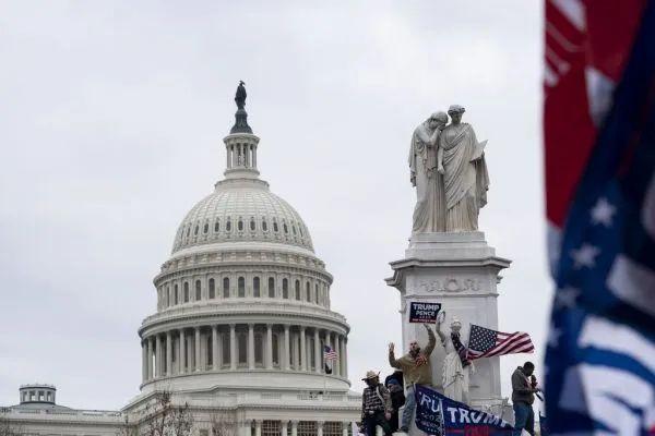 美媒盘点:220年来,国会大厦被炸过多次……