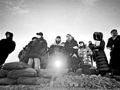 张艺谋张末父女首次联合导演电影《狙击手》 聚焦抗美援朝战争