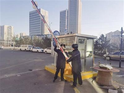 【青城眼】强化街面管控专项整治 推进静态停车场(点)监管工作 提升城市公共交通接驳水平 首府城管在行动……