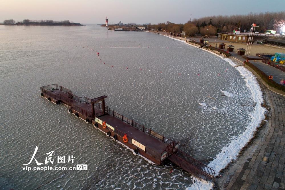 冰封洪泽湖
