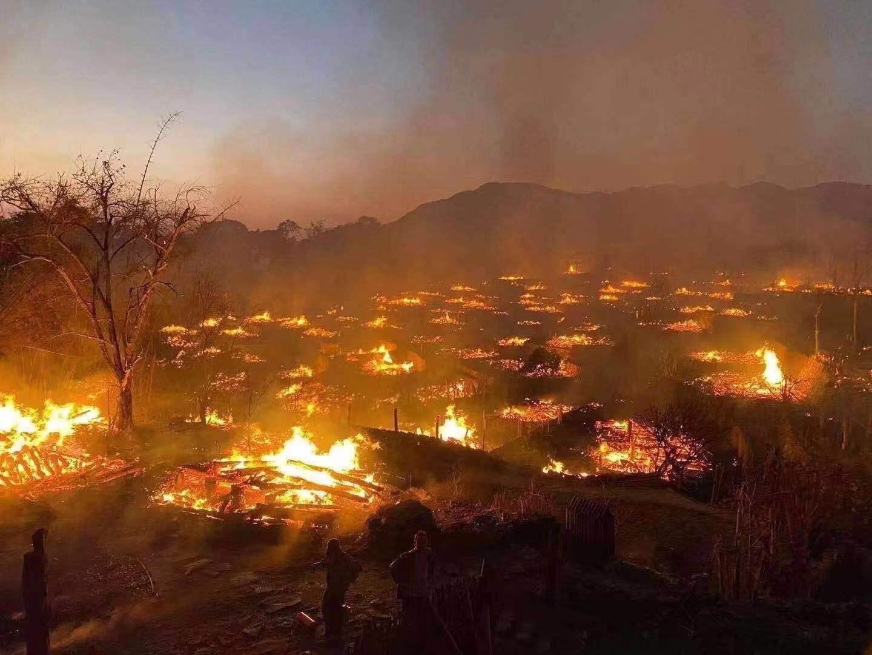 沧源佤族自治县翁丁村老寨火灾明火已全部扑灭