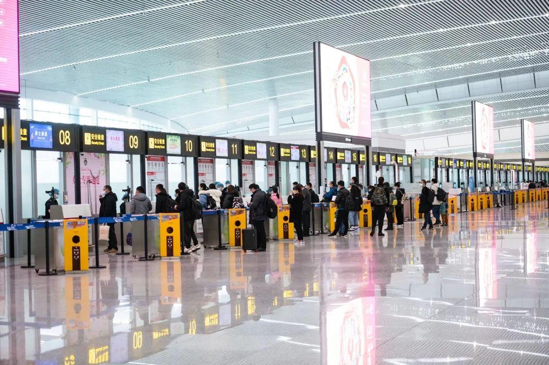 春节7天,重庆江北机场安全迎送35万人次图片