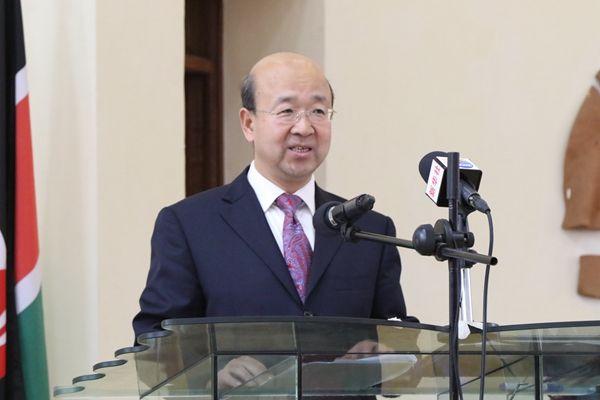 外交部部长助理刘显法,有新职图片