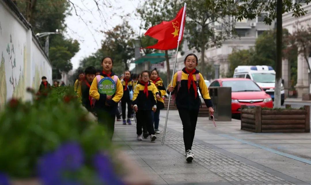 重温身边的红色印记 金师附小学生走进红军巷