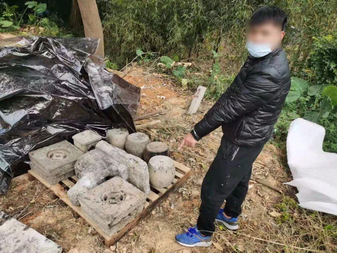广东一盗贼专偷祠堂物件,其中还有文物