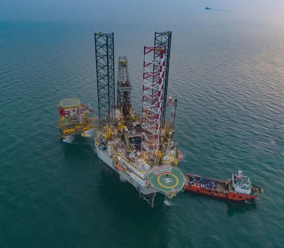 中海油:渤中13-2油气田探明地质储量亿吨级油气当量图片