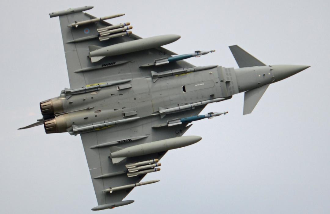 英军要演练摧毁中俄卫星?!图片