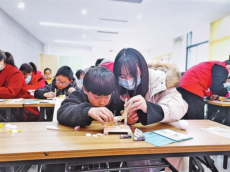安吉:流动科技馆让孩子玩转科技