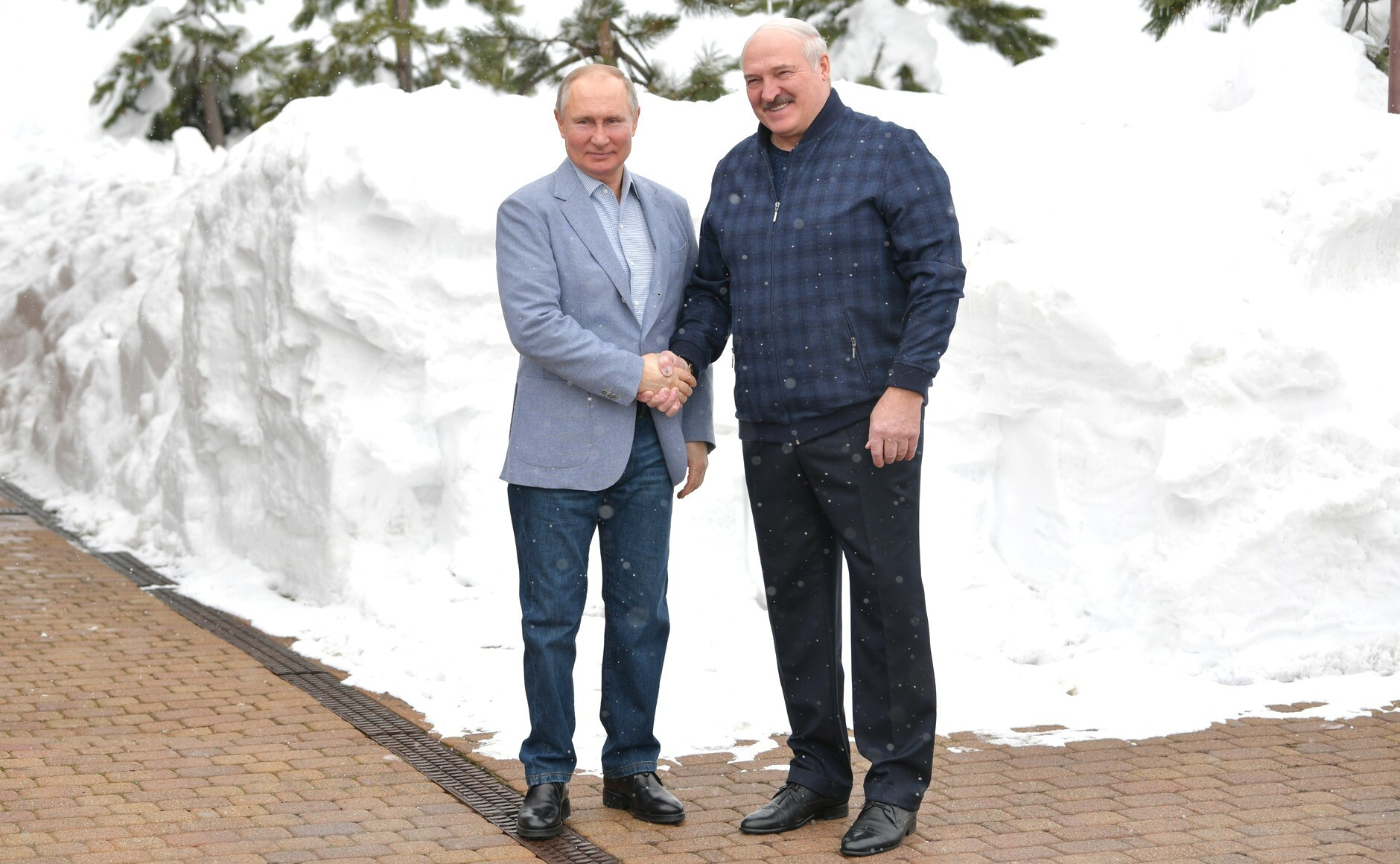 """卢卡申科与普京会谈:""""白俄罗斯一半GDP都来自对俄贸易"""""""