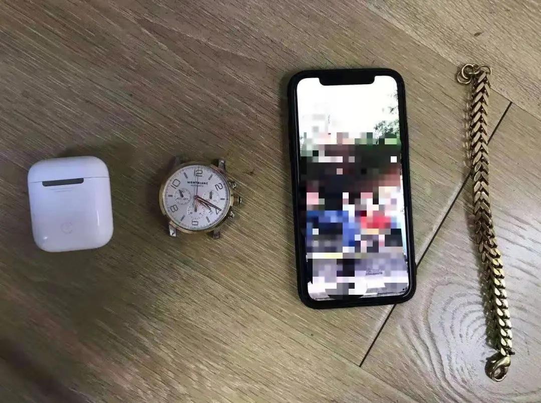 苹果手机、万宝龙手表、巴黎世家手链……小情侣偷走保时捷内4万多元财物,还拍视频炫耀