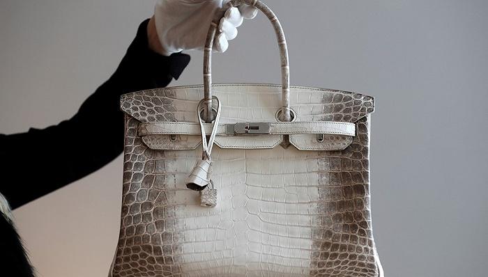 中国买家热情淹没拍卖行 线上竞标奢侈品销量一年翻12倍