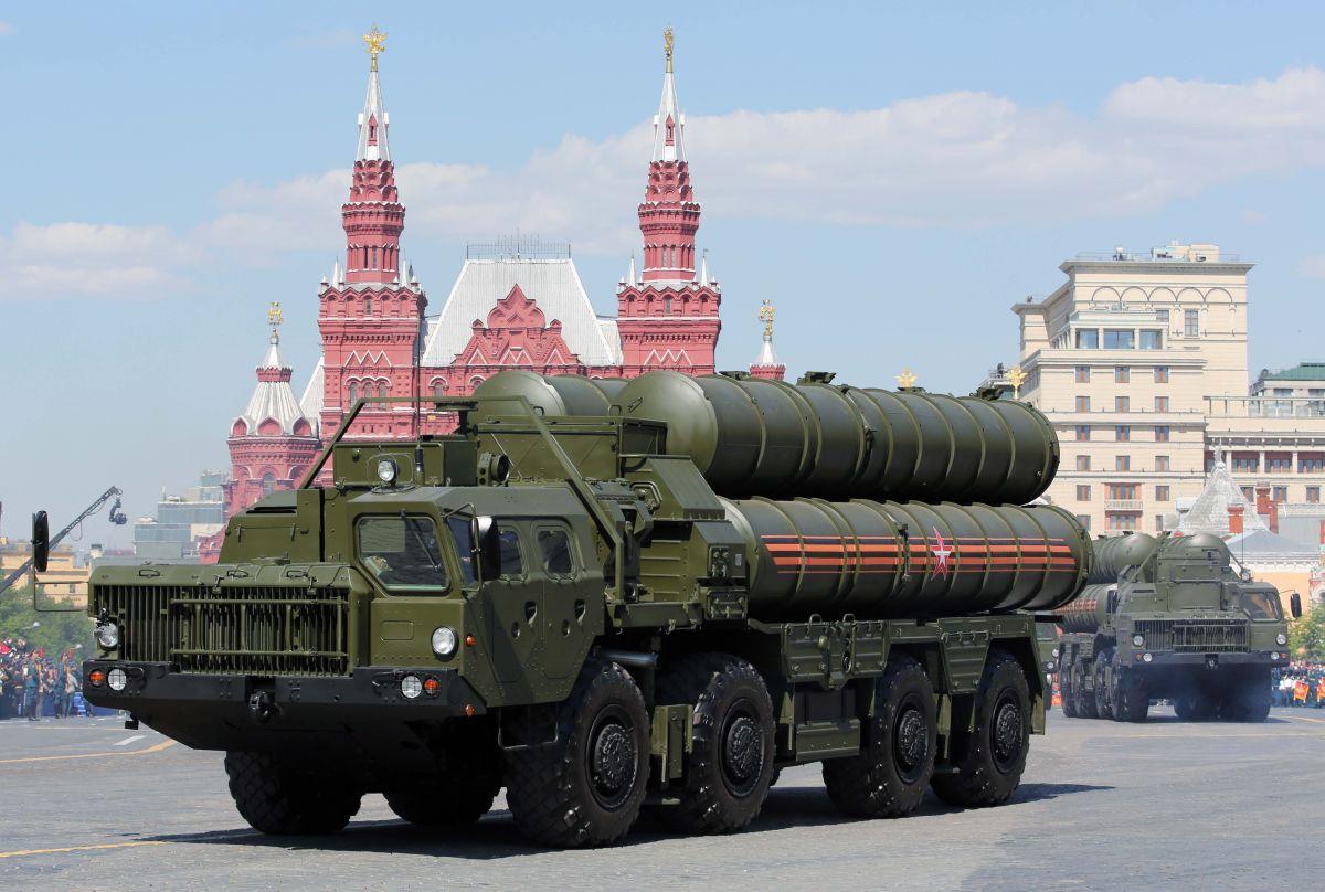 "S-400""凯旋""防空导弹系统在俄远东萨哈林州开始战斗值勤"