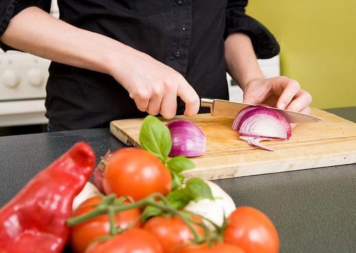 做菜5个坏习惯会致癌,为了健康必须改掉!