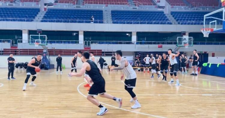贾磊:雷蒙出现在北京队主力阵容合练当中