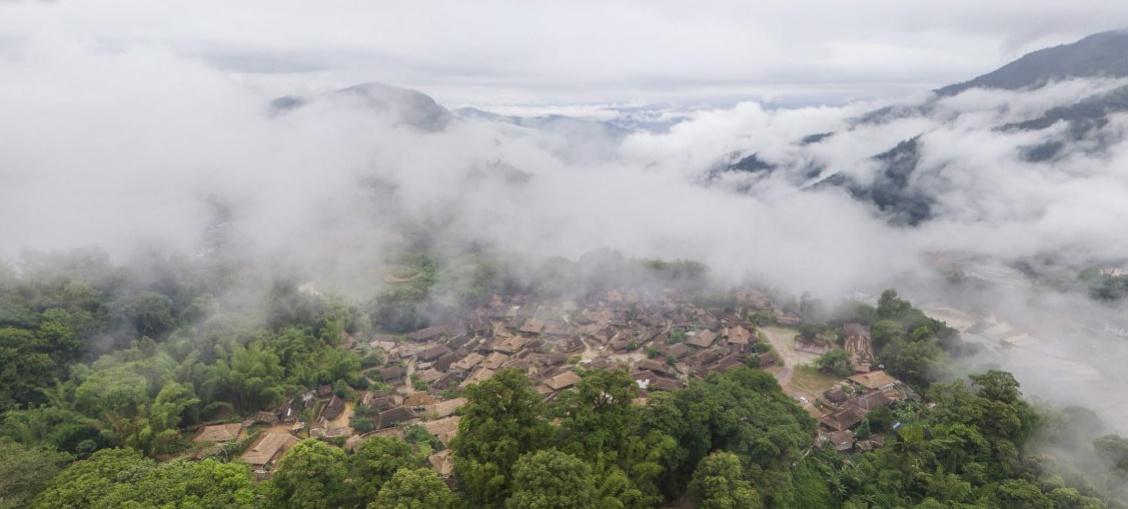 翁丁拼图①|佤族与火,老寨与新村