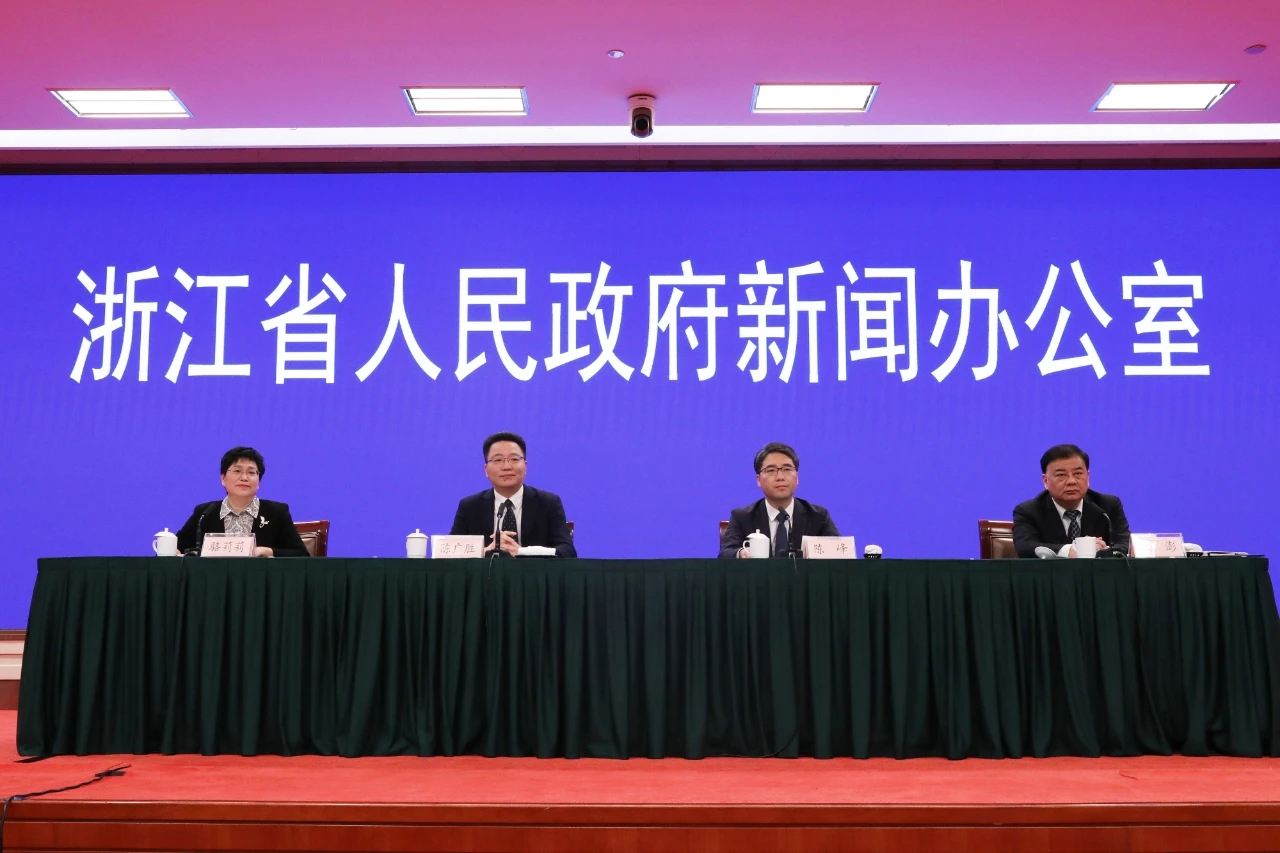 浙江中小学幼儿园3月1日前开学,逐步推动教师和大学生接种新冠疫苗