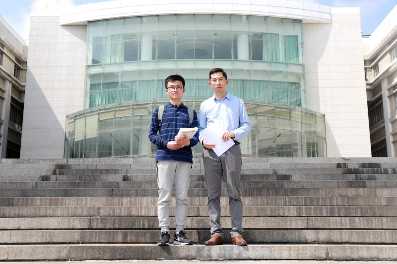 """相隔仅半年,从上海外贸大学本科生到哥伦比亚大学博士生,他如何实现""""跨越"""""""