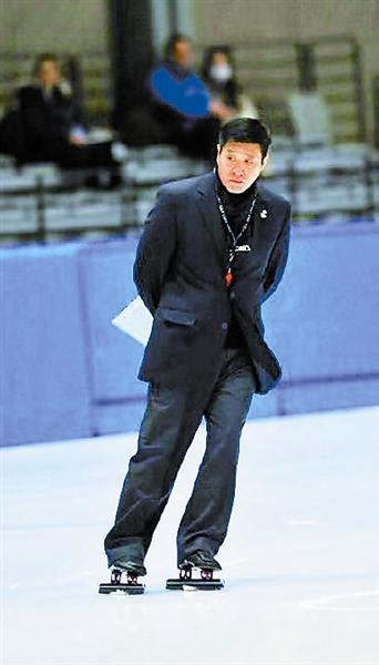 执裁过三届冬奥会的短道速滑裁判边维华