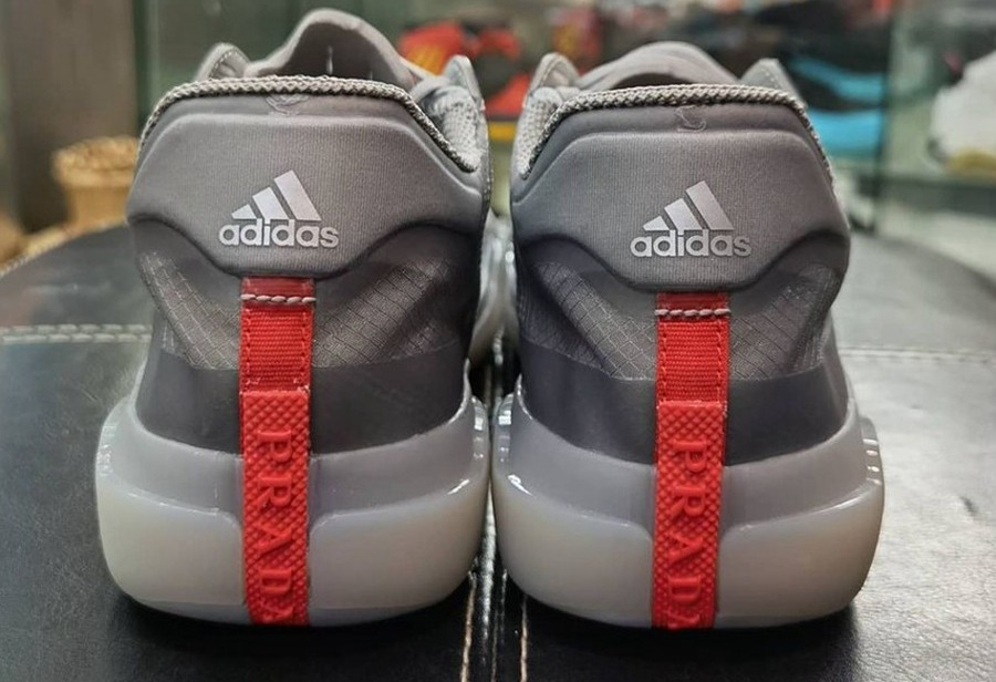 Prada x adidas 2.0 新配色曝光!灰色鞋身超高级,只不过...
