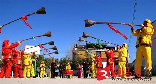 河南西平县:非遗大喇叭喜闹元宵节