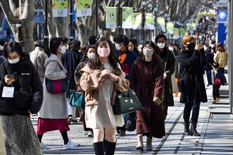 日本解除6府县紧急状态 首都圈戒严但人流大增