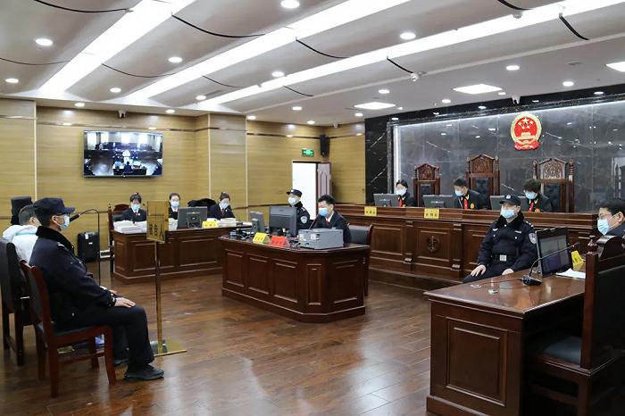 被控受贿超1565万元,原包钢集团党委副书记孟志泉受审图片