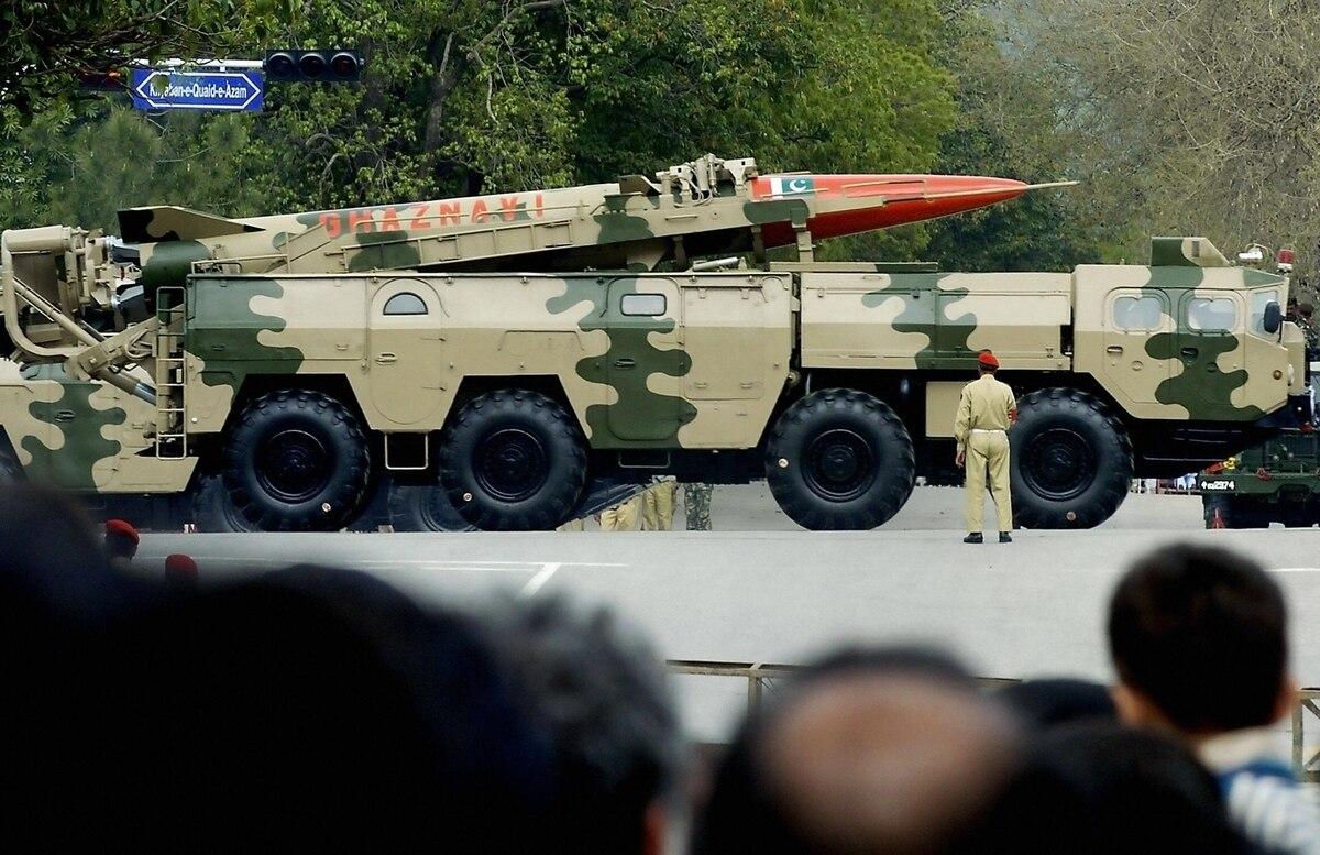 巴基斯坦试射短程弹道导弹 可搭载核弹头
